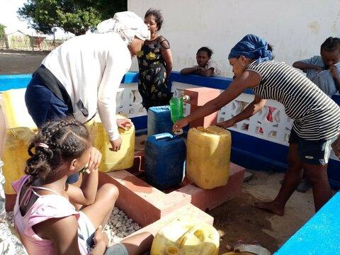 """""""Porteurs d'eau"""" : bâtir la résilience en combattant le Covid-19 à Madagascar"""