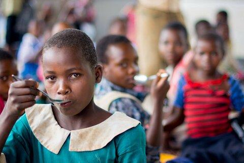 Nourrir l'avenir d'une nation : le pouvoir transformateur des programmes d'alimentation scolaire