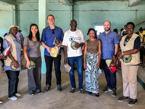L'Ambassadeur de Suisse, son Excellence Monsieur Philippe Brandt, rencontre les populations affectées par la sécheresse dans le sud de Madagascar