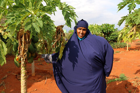 Une agricultrice au Kenya autonomise les femmes vulnérables