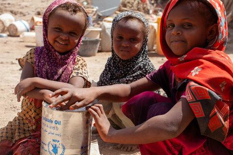 Remarque: les familles au bord de la famine au Yémen ne peuvent pas attendre