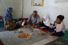 Les afghans urbains éduqués sont le nouveau visage de la faim alors que les emplois et les revenus s'amoindrissent